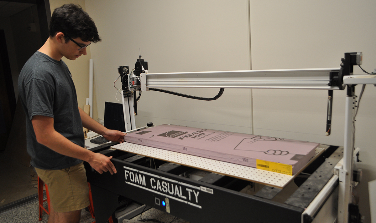 Aero Maker Space Mentor, Alex Bustos shows how to use the foam cutter